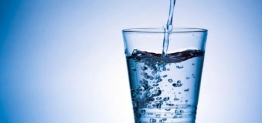 Naviknite se da pijete 2l vode dnevno