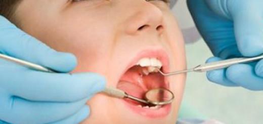 Karijes mlečnih zuba opasan: saveti koje će vam dati svaki dečiji stomatolog