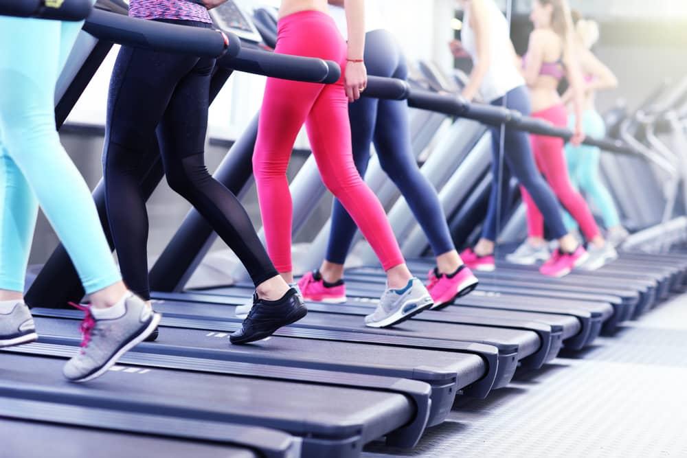 Devojke na traci za trčanje