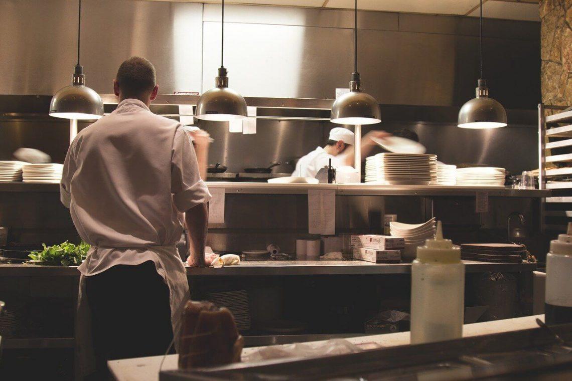 Kuvari u kuhinji