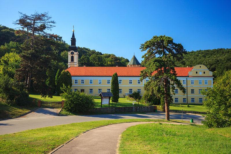 Manastir Jazak